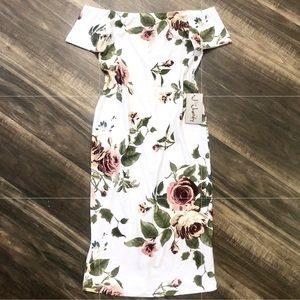 BNWT JforJustify Off Shoulder Floral Bodycon Dress